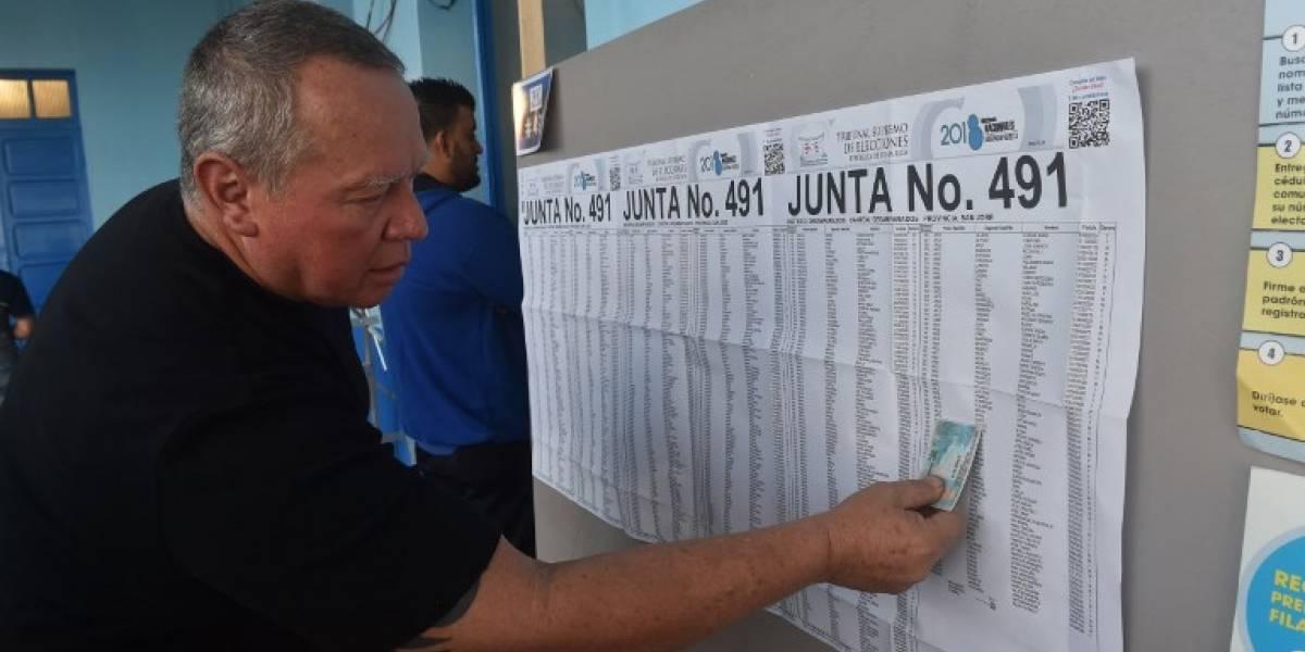 Cierran urnas en polarizado balotaje presidencial en Costa Rica