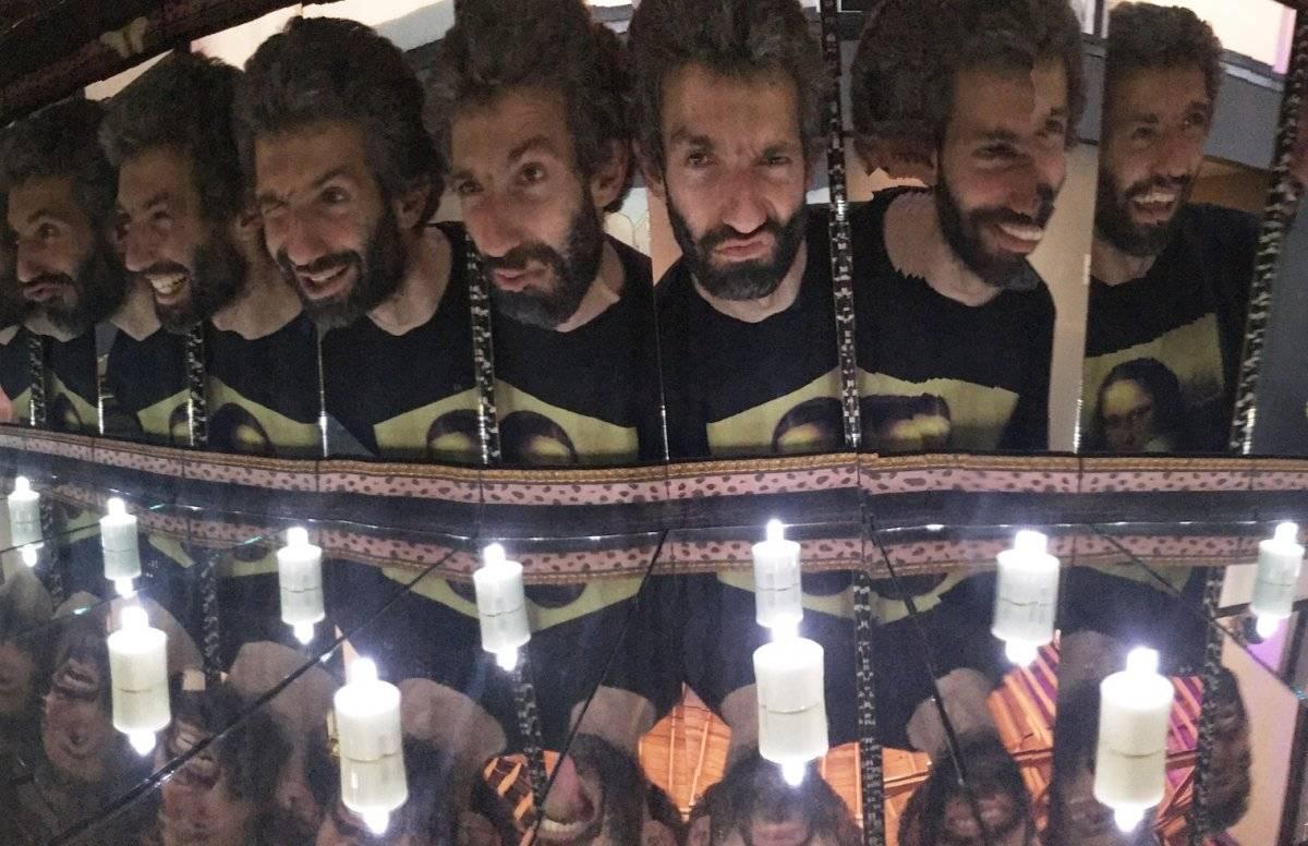 Tommy Honton y Tair Mamedov abrieron el Museo de la Selfie en Los Ángeles, una exhibición interactiva que explora la historia y el fenómeno cultural de este tipo de autorretratos. Foto: AFP