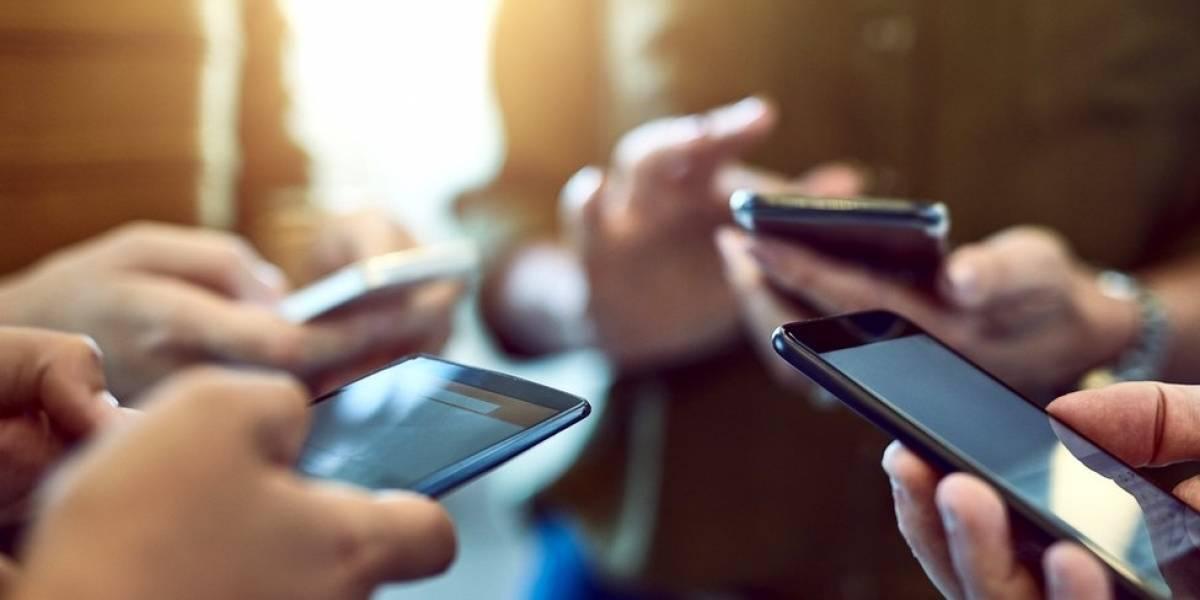 Hijos equilibrados: el celular no es el maestro