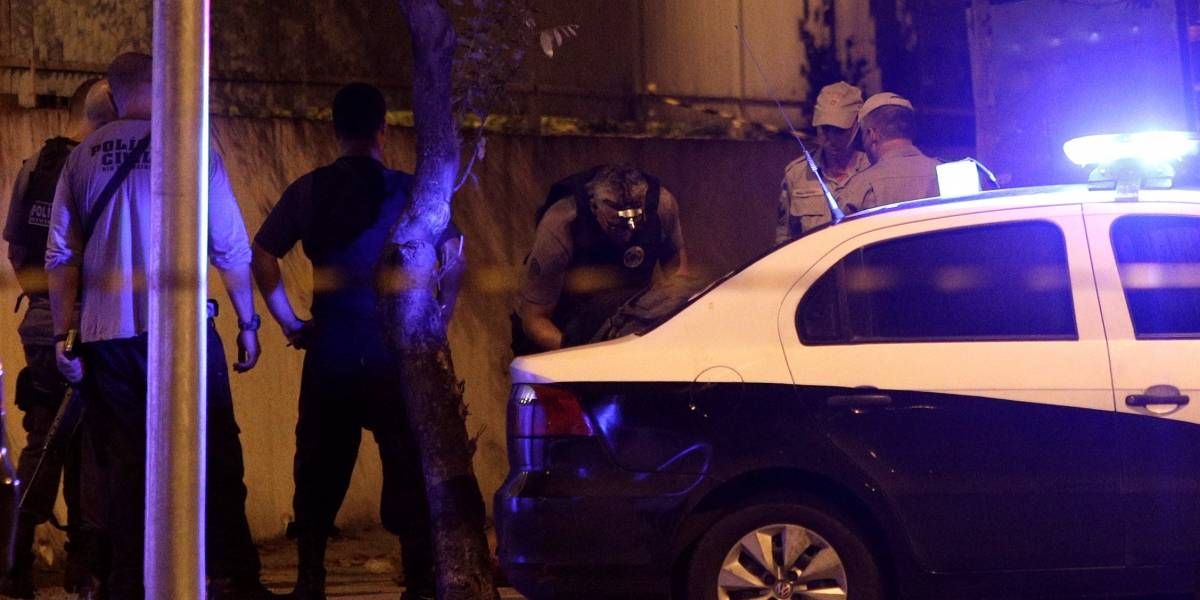 Ex-PM suspeito de estar no carro dos assassinos de Marielle Franco é preso no Rio