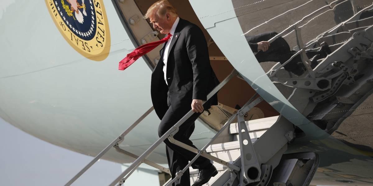 """Donald Trump: """"Nuestro país está siendo robado"""""""