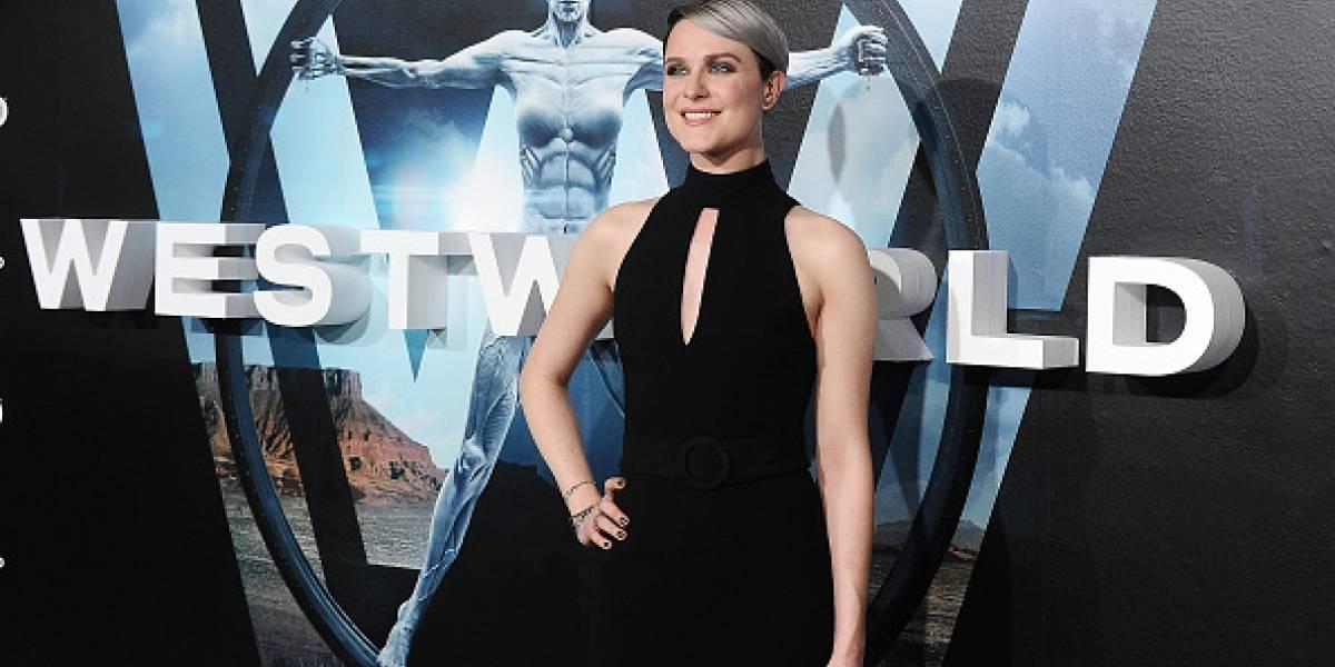 """Evan Rachel Wood revela que la segunda temporada de """"Westworld"""" tiene similitudes """"espeluznantes"""" con el movimiento #MeToo"""