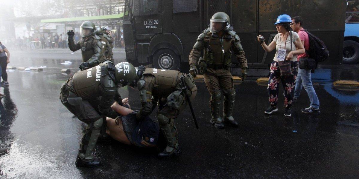 INDH presentó querella por torturas a estudiante agredido por Carabineros
