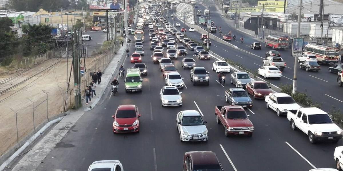 Incidentes viales y lluvia complican el tránsito en diferentes rutas