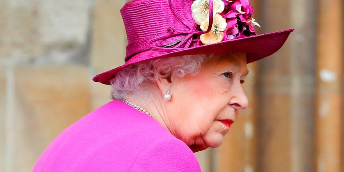 Isabel II y su familia conmemoran el Domingo de Pascua