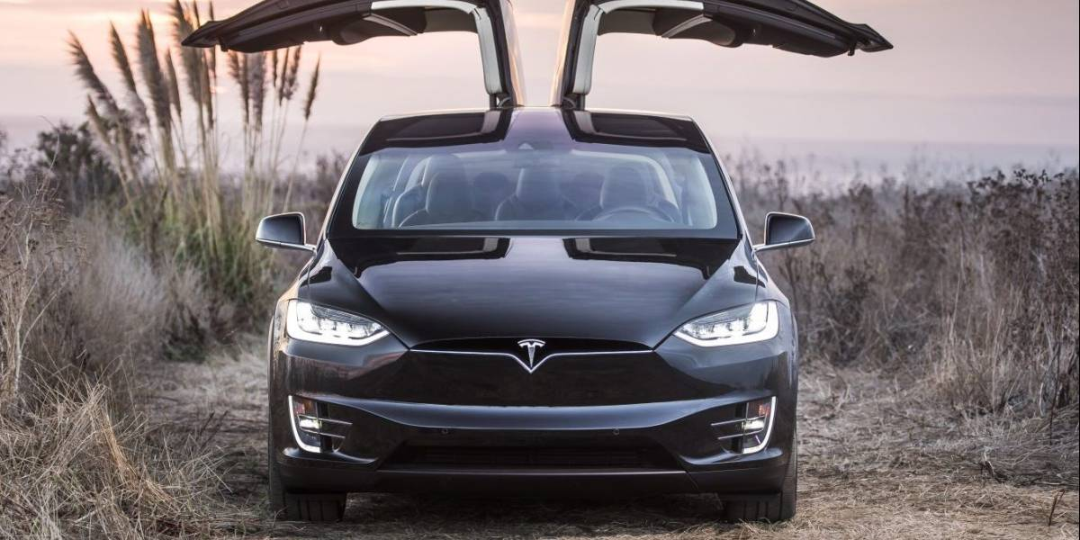 Tesla dice que conductor fallecido en accidente de Model X ignoró todas las advertencias previas