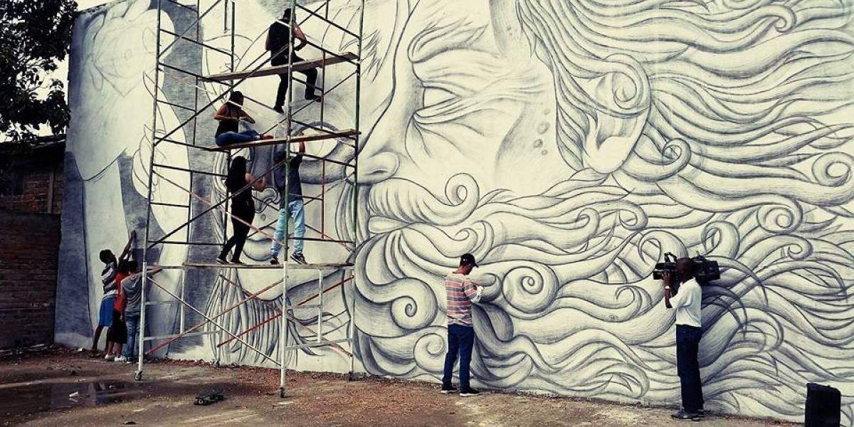 Artista colombiano que hizo el mural más grande del mundo va por un nuevo récord