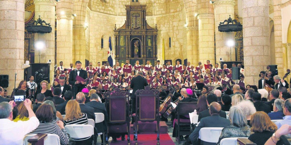 Más de cien voces en concierto sacro en la Catedral