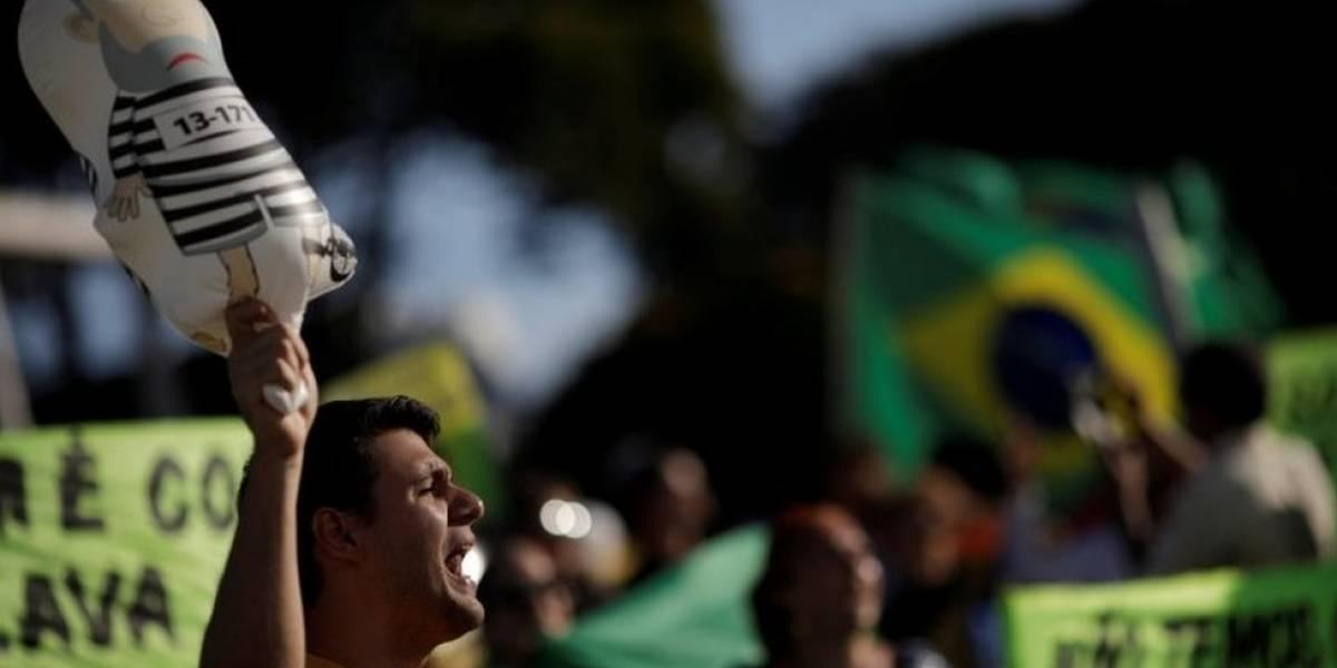Congresista gay de Brasil abandona su escaño y el país luego de amenazas de muerte