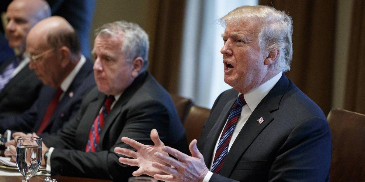 A falta de muro, Trump planea que militares vigilen frontera con México