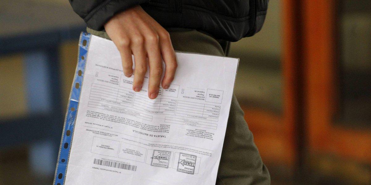 """¿No más llamadas por puntajes PSU? Polémica por decisión del Consejo de Rectores de terminar con las """"ofertas"""" de universidades"""
