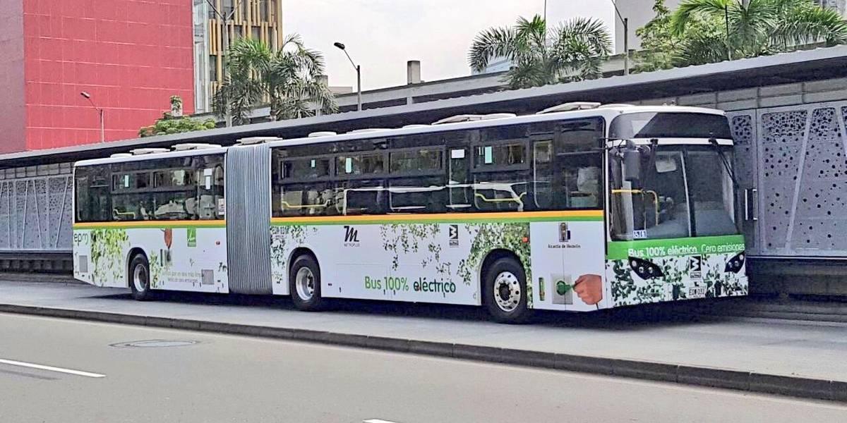 Empieza a rodar en Medellín el primer bus eléctrico articulado