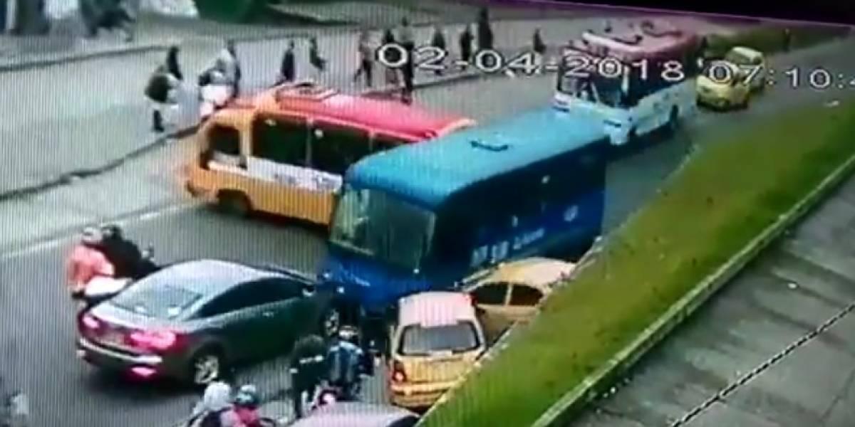 Video: bus del Sitp chocó contra cinco carros en el sur de Bogotá