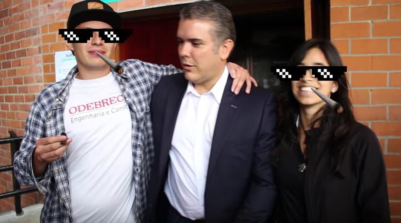 Video: el incómodo momento que vivió Duque cuando rapero con camiseta de Odebrecht le pide una foto