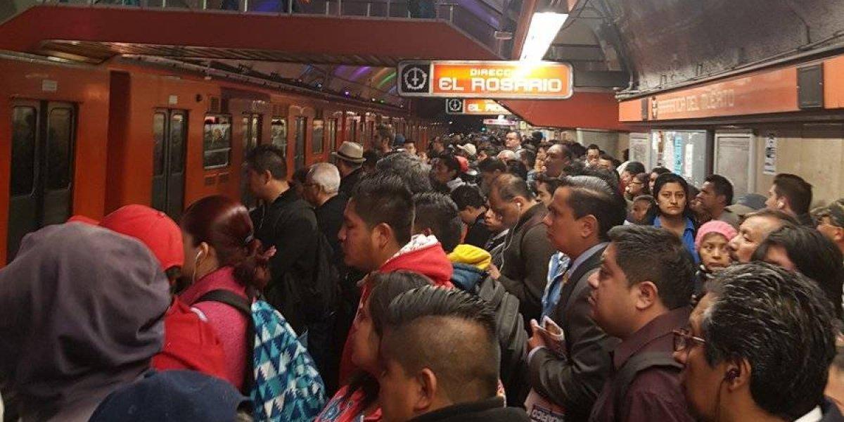 Usuarios reportan fallas en Línea 7 del Metro; hasta 30 minutos de retraso