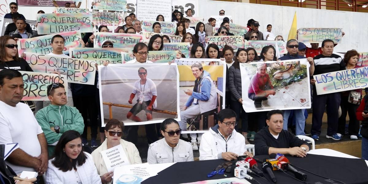 Familiares reaccionan a pruebas de vida de periodistas de El Comercio