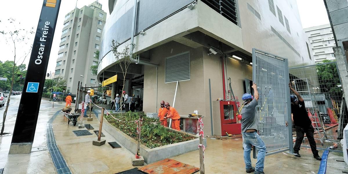 4 anos atrasada, estação Oscar Freire do Metrô abre incompleta