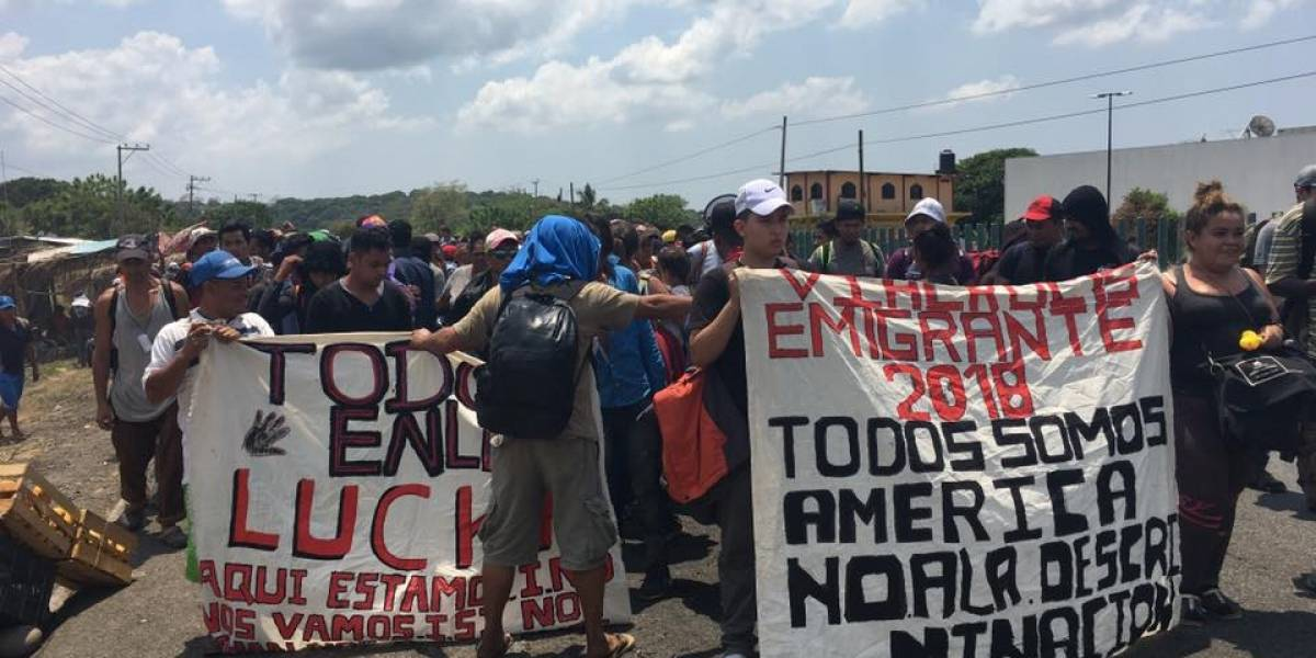 ¿Qué es y a dónde se dirige la caravana migrante que puso en alerta a Trump?