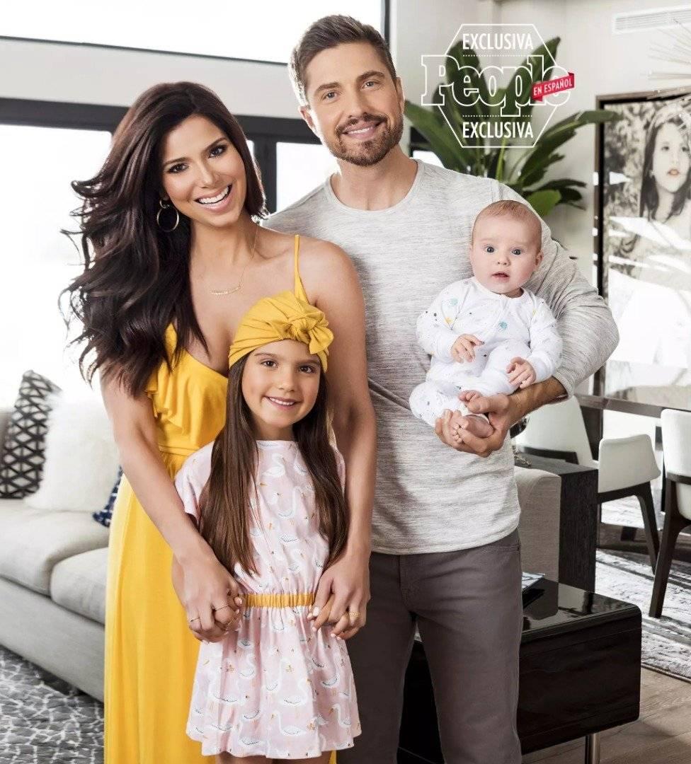 Roselyn Sánchez y su familia