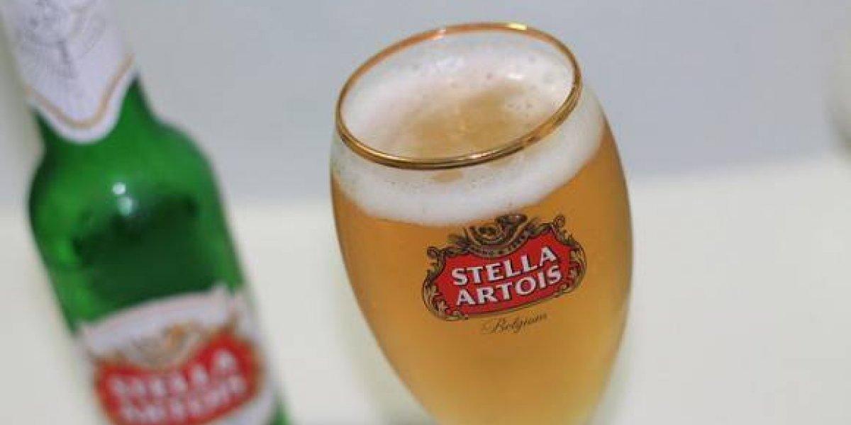 Stella Artois retira cervezas en República Dominicana por falla en botella