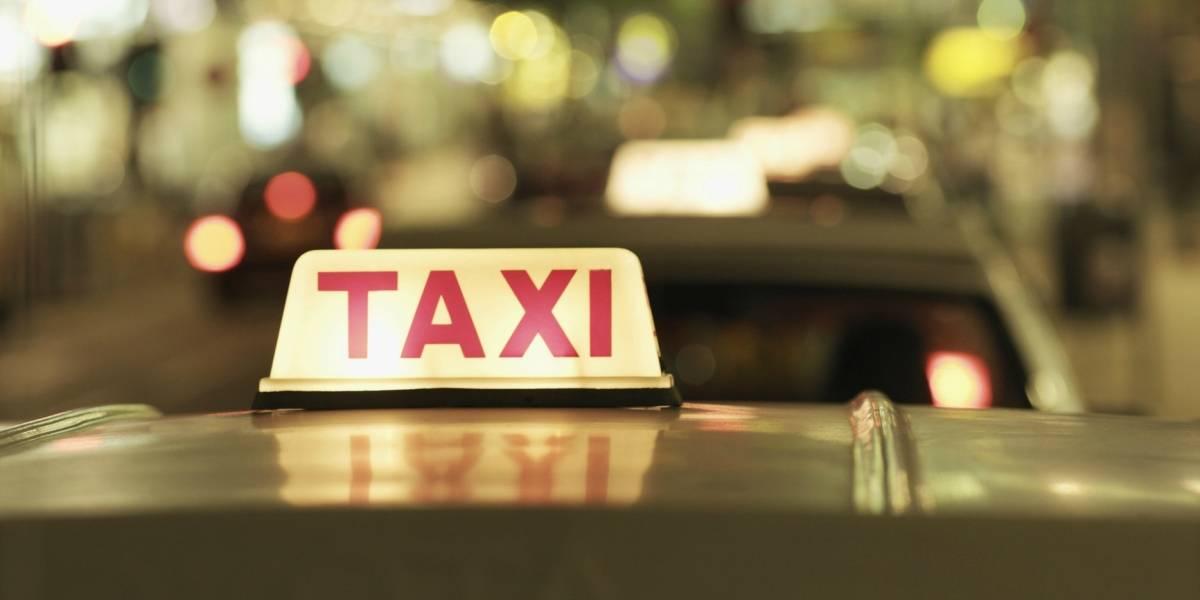 Se hizo taxista para contarle a cada pasajero la historia de su hija desaparecida y logró encontrarla luego de 24 años