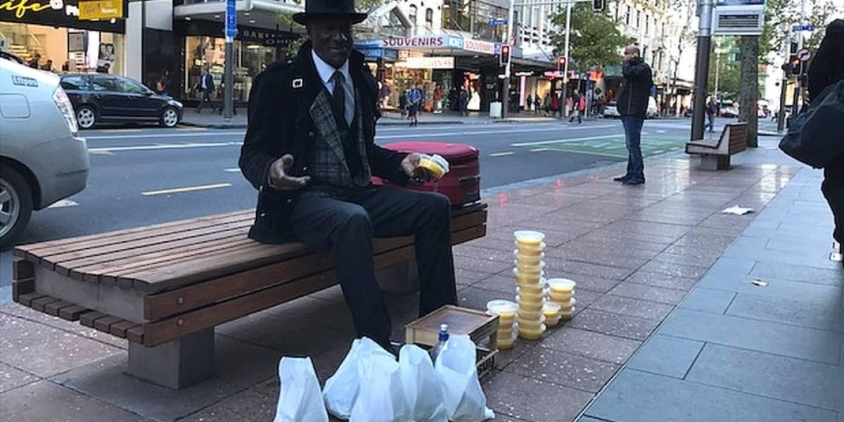 Mr. Sunshine, o ex-milionário que hoje trabalha como engraxate
