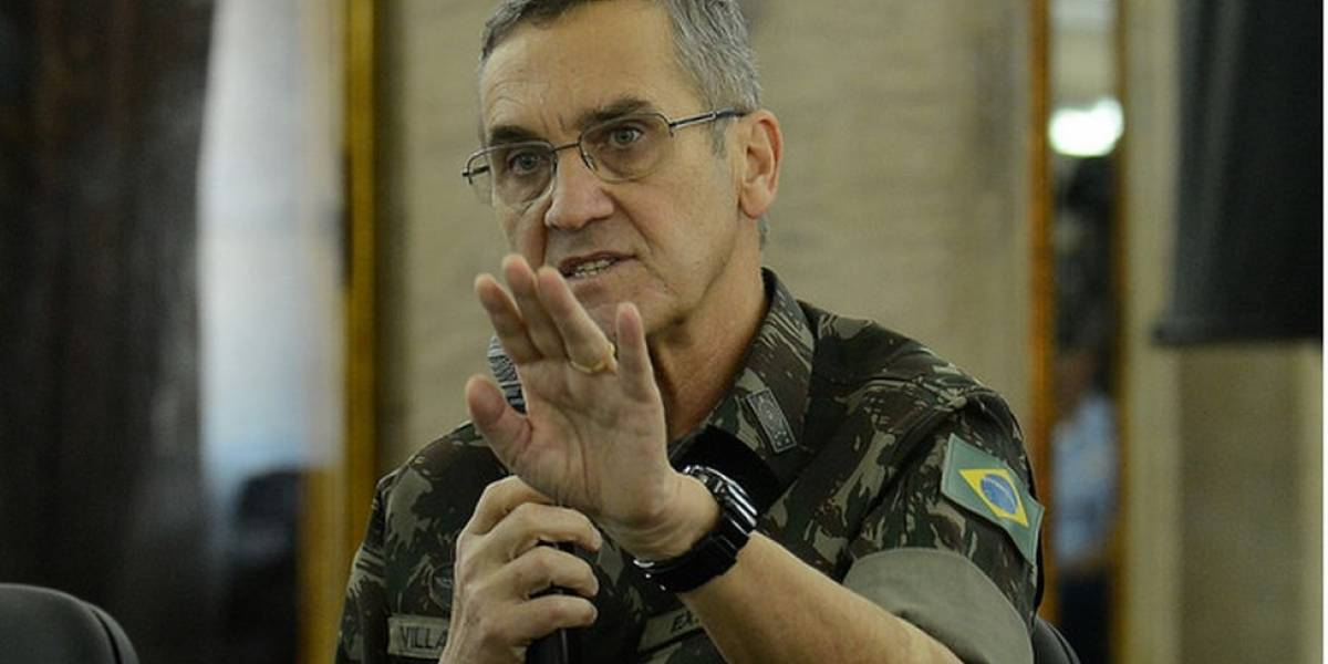 O silêncio do general Villas Bôas após tuítes serem lidos como ameaça (ou promessa) de interferência