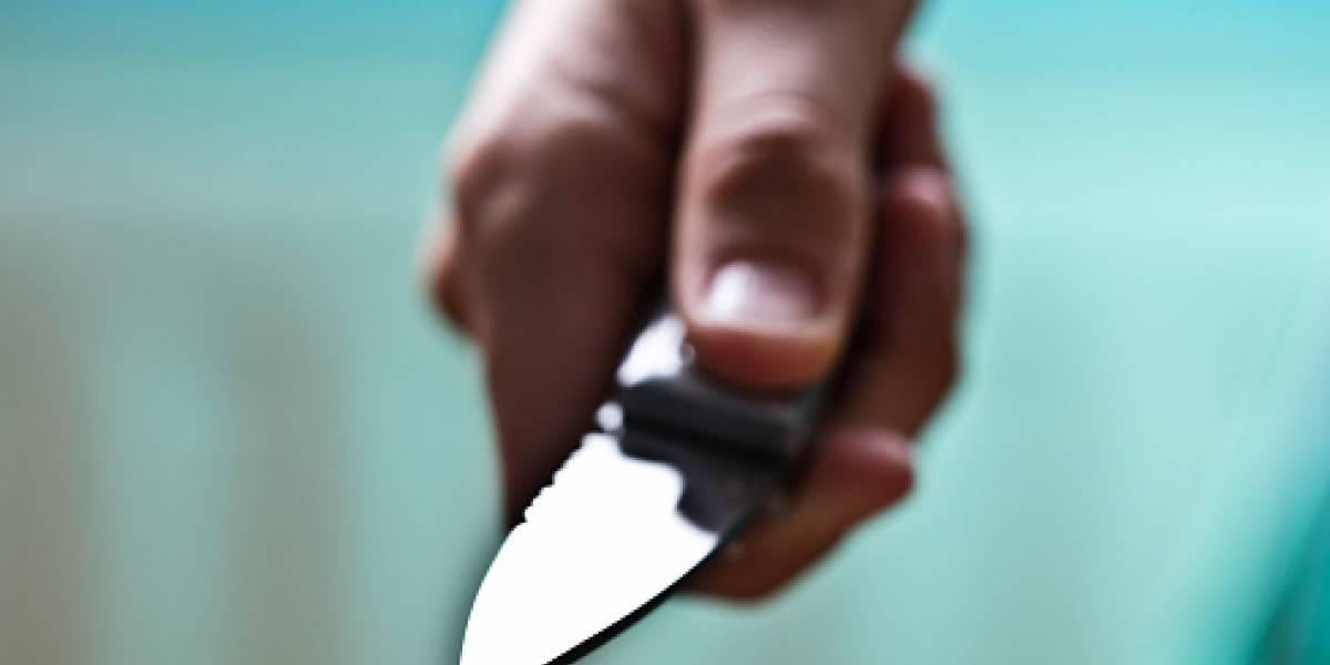 Mujer acuchilló a su esposo por revisarle el celular en Milagro