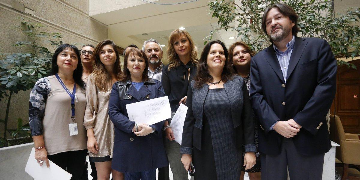 Parlamentarios presentaron solicitud de interpelación en contra del ministro de Salud