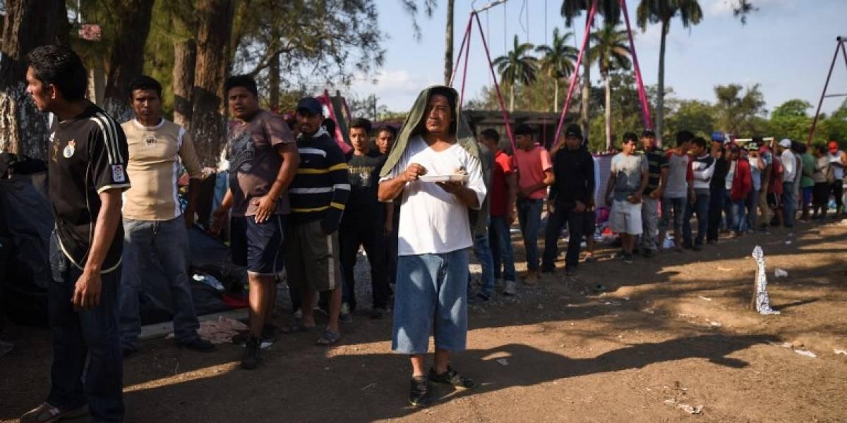 Caravana migrante renuncia a llegar a la frontera con Estados Unidos