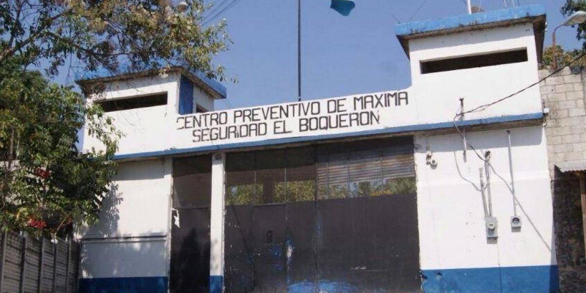Detienen a mujer y remiten a un menor tras intentar ingresar ilícitos a la cárcel el Boquerón