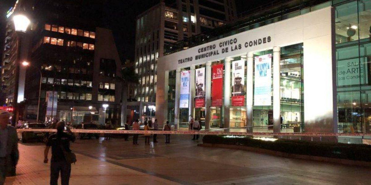 Falso aviso de bomba obligó a evacuar el Teatro Municipal de Las Condes