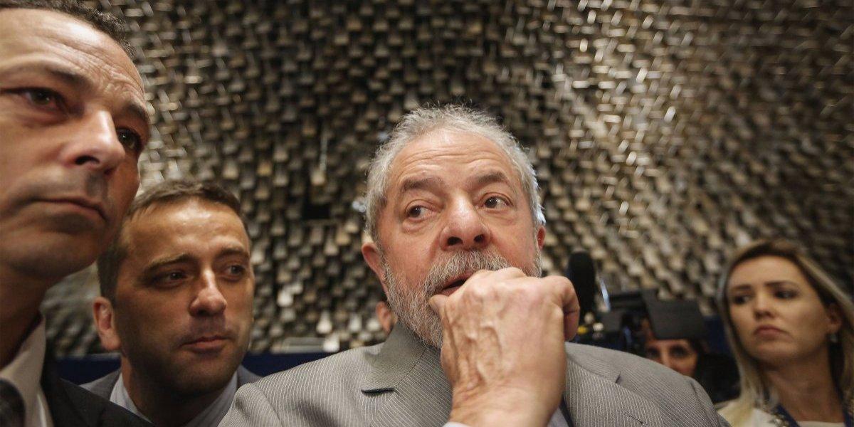 """Brasil tensionado antes de decisión sobre Lula: general del ejército dijo repudiar la """"impunidad"""""""