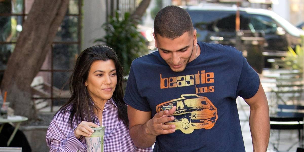 Kourtney Kardashian publica candente foto junto a su joven novio