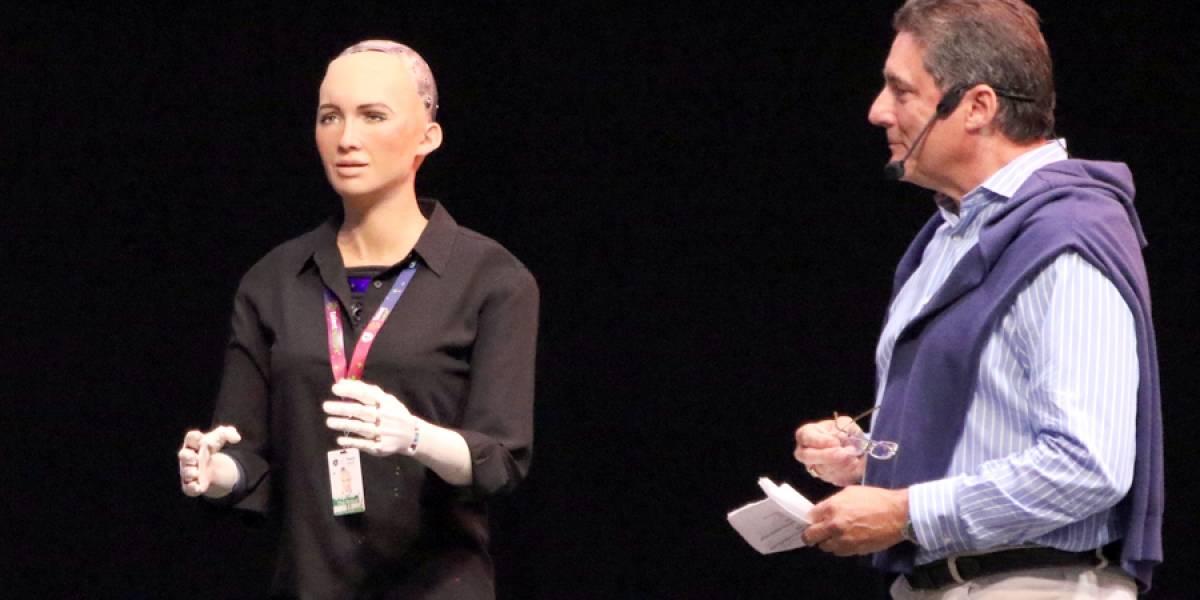 Robot Sophia cautiva a más de cuatro mil en el Jalisco Talent Land