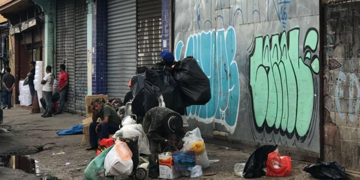 Famílias desocupam prédio na Cracolândia, em São Paulo, após decisão da Justiça