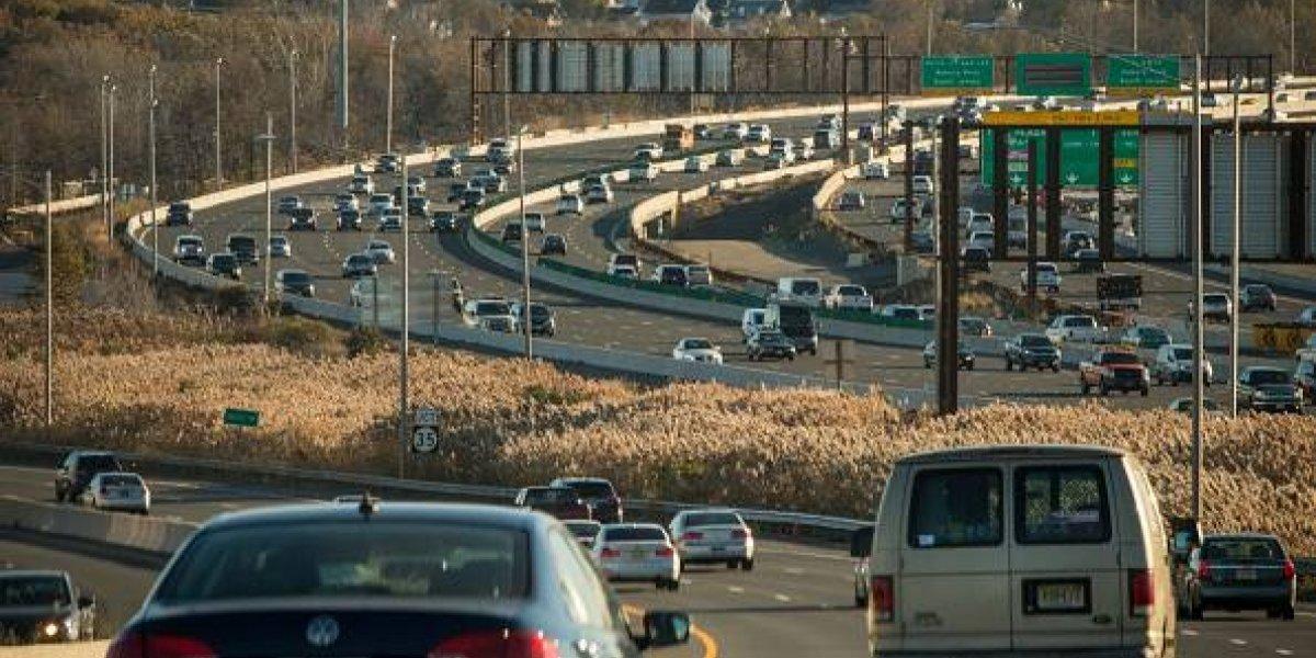 Trump lucha por bajar los mínimos de eficiencia de los autos