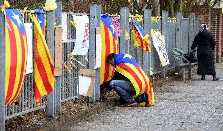 Piden libertad de Puigdemont