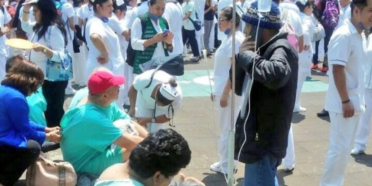 Desalojan el Hospital Gabriel Mancera por fuerte olor a gas