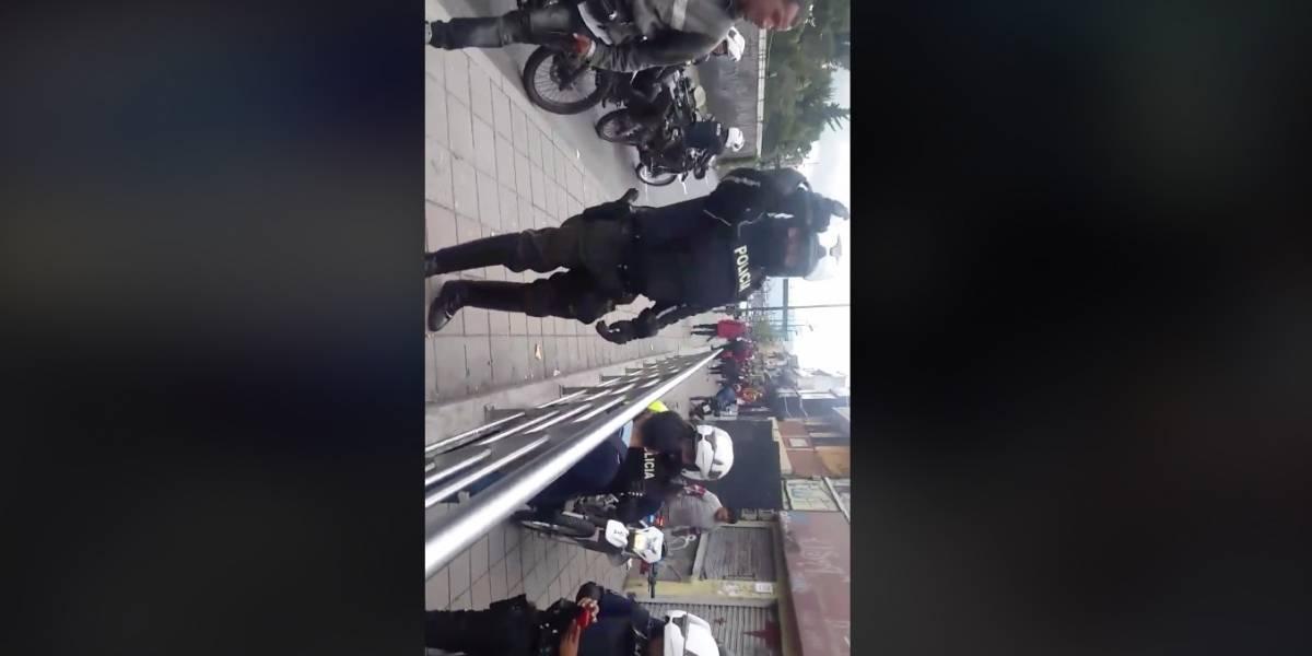 """Quito: Denuncian en redes """"abuso de autoridad"""" por parte de policías"""