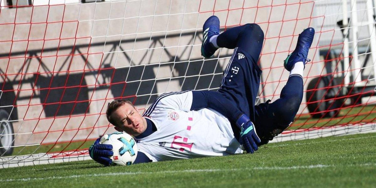 Manuel Neuer vuelve a entrenar bajo los tres palos