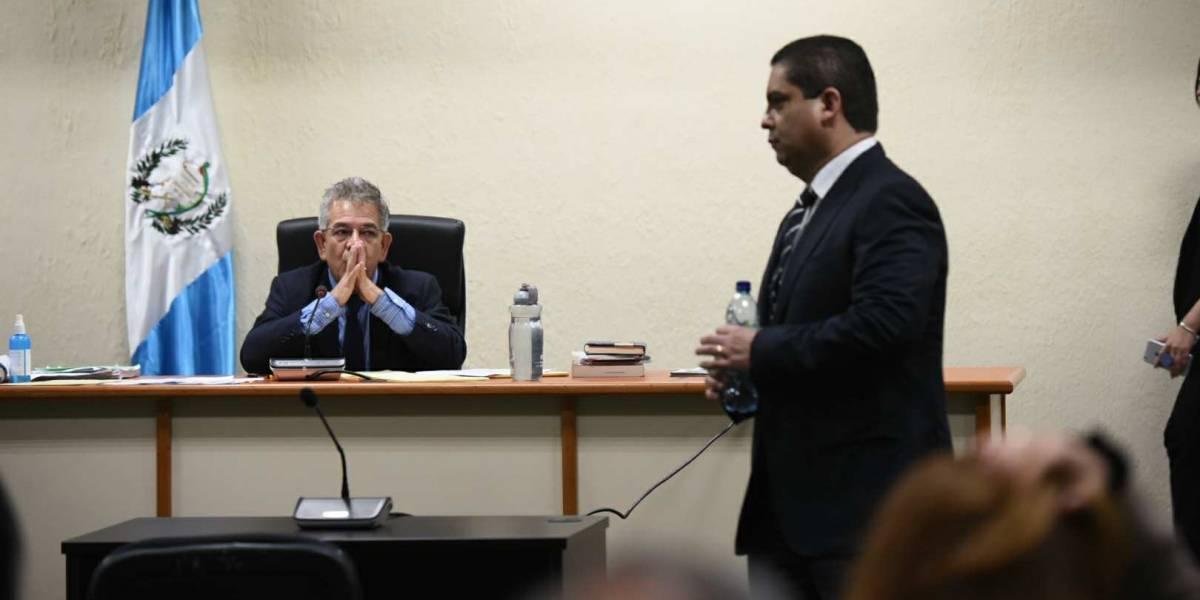 Juan Carlos Monzón: Exministro de Salud tomó posesión con un costoso regalo