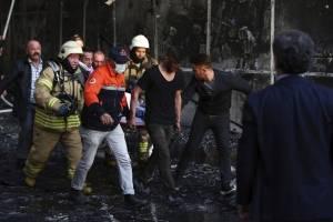 incendiohospitalestambul10-c4a1469a2c212185c67ef7f7e9e9fc6d.jpg