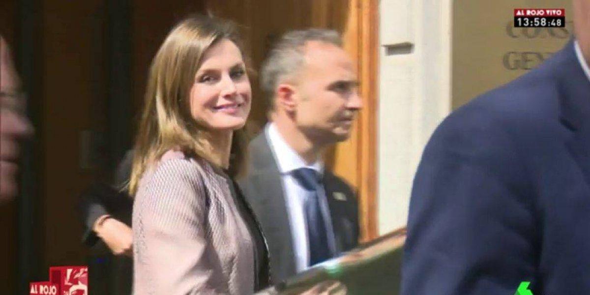 Silban y agreden verbalmente a la Letizia tras video con la Reina Sofía