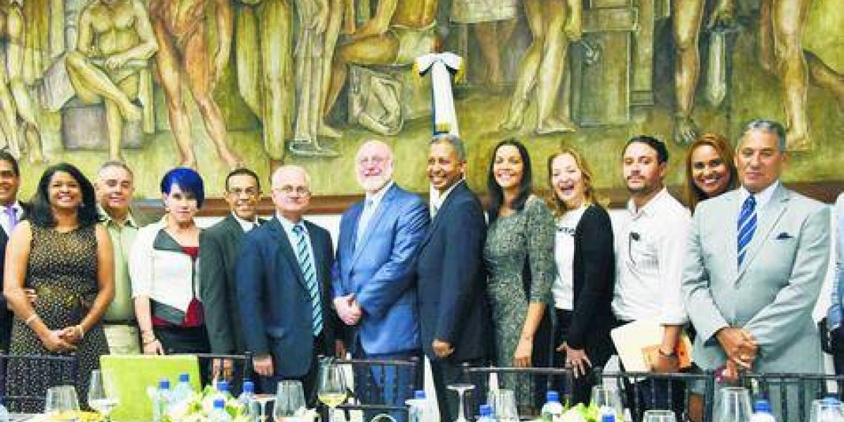 Ministerio de Cultura y teatritas independientes acuerdan seguir apoyando el teatro