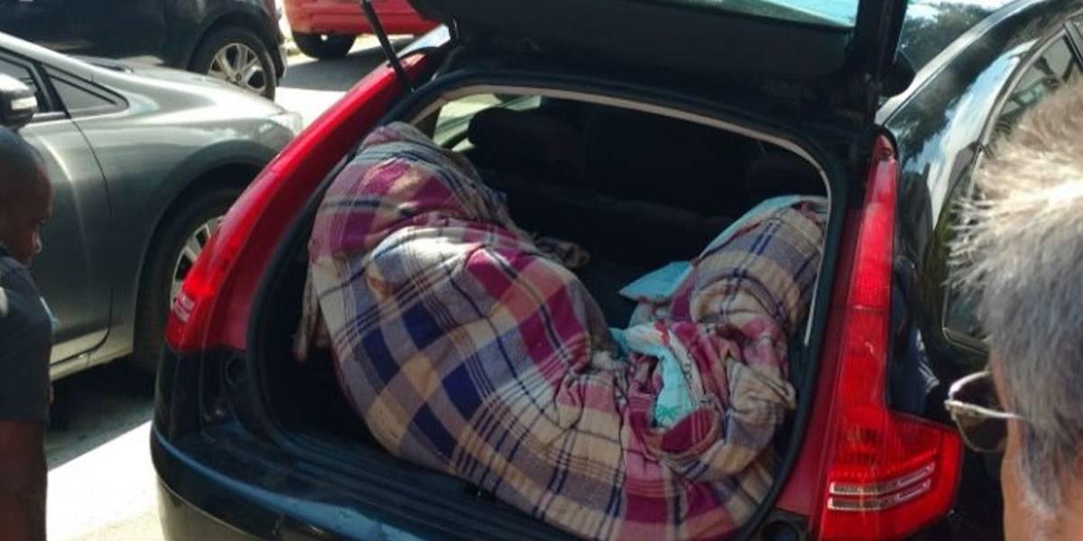 Dois corpos são encontrados na mala de carro em Niterói