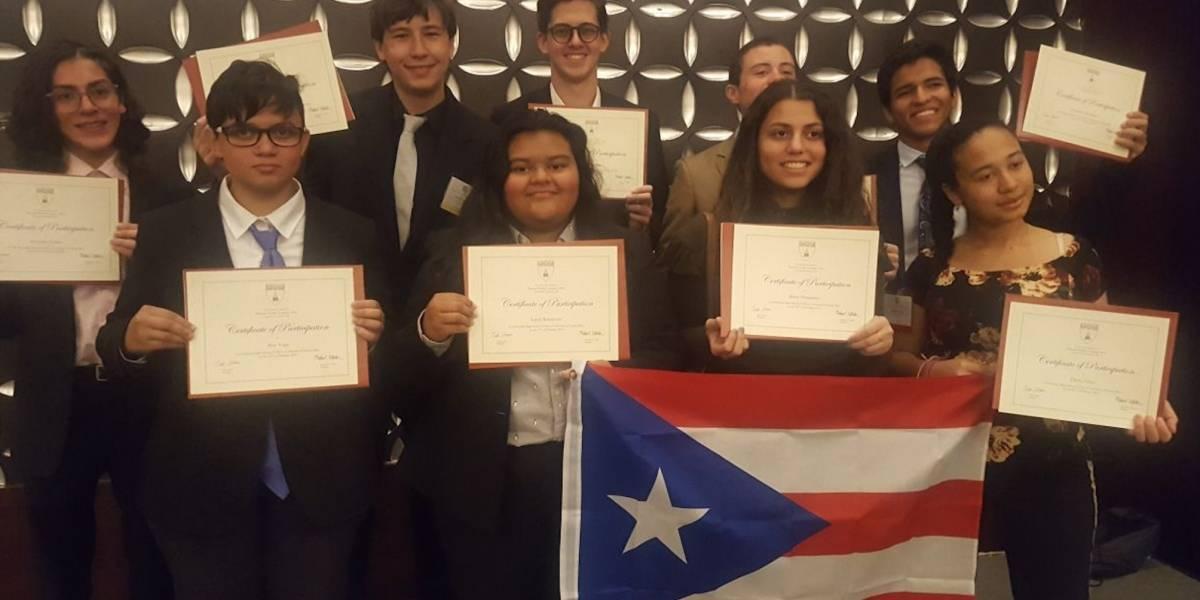 Estudiantes de la UHS participan del Harvard Model Congress