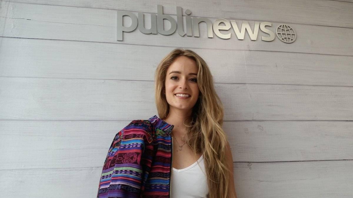 """Stephanie Zelaya visitó Publinews para hablar del video de su nuevo sencillo que será distribuido por Sony Music, """"Hasta que amanezca"""". Foto: David Lepe Sosa"""