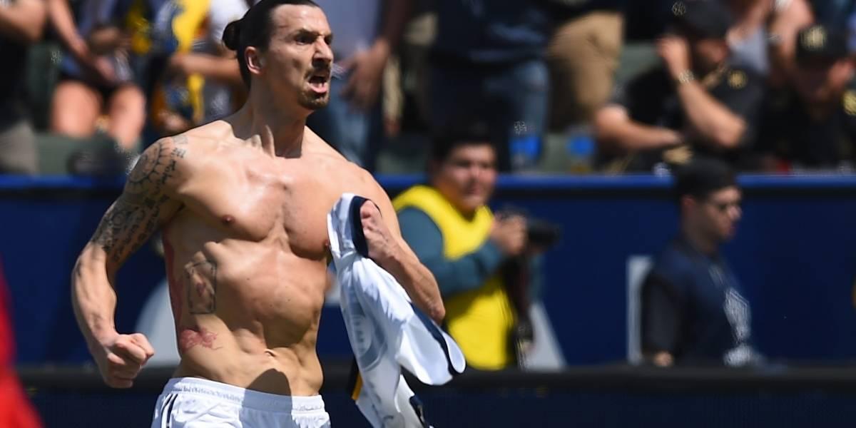 Zlatan Ibrahimovic explicó por qué golpeó a Carlos Vela