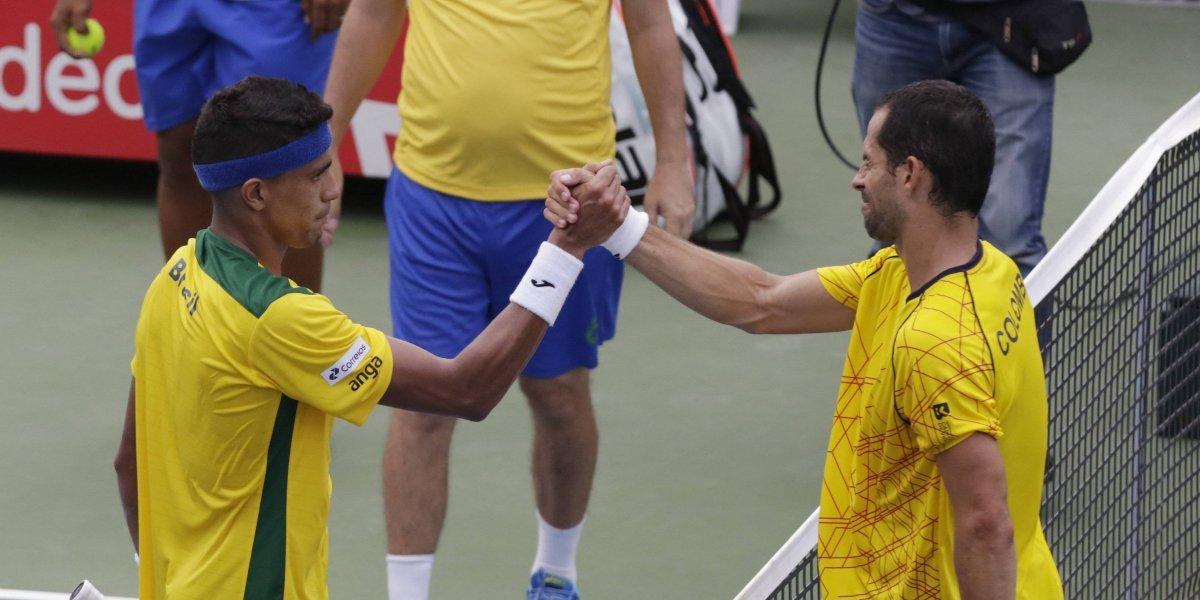 Santiago Giraldo falla, pero Galán saca la cara y Colombia empata con Brasil en la Davis